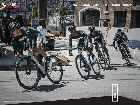 Leader Bikes x Undefeated ピストレーシングチーム